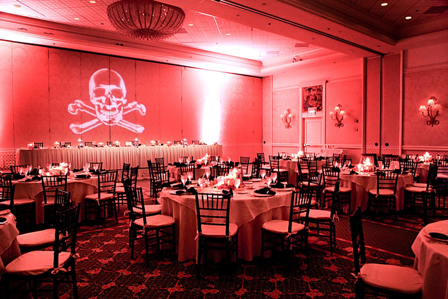 Arrgh, Matey! Have a Pirate-Themed Wedding No One Will Forget ...