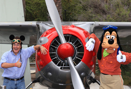 Stephen Colbert with Goofy at the Soarin' Over California attraction