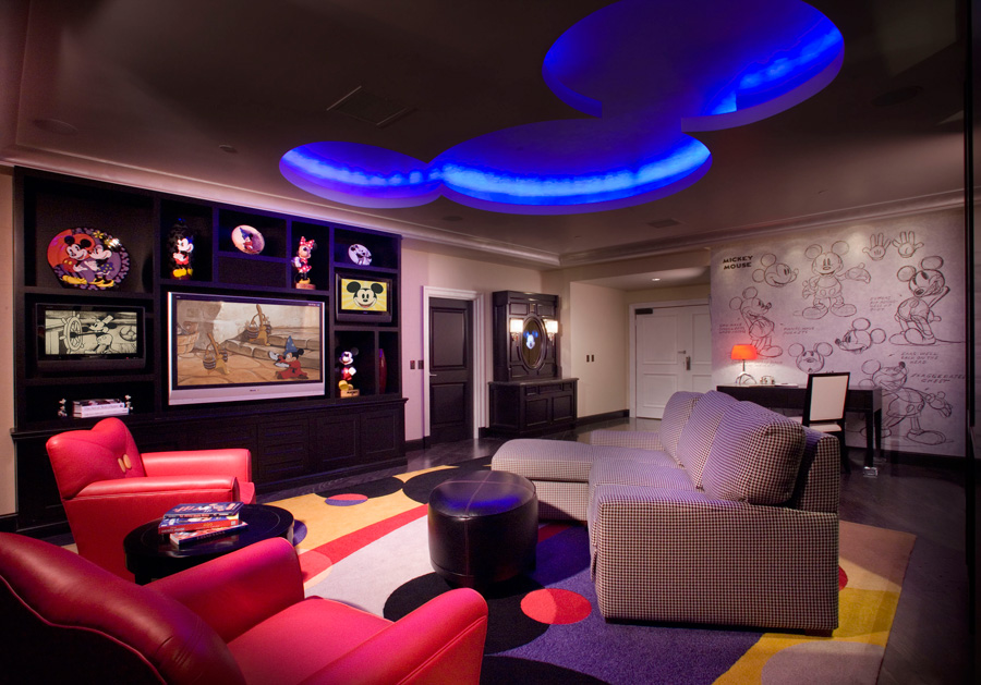 signature suites at the disneyland hotel mickey mouse penthouse