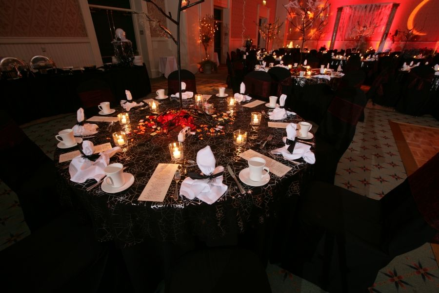 halloween themed table settings - Halloween Themed Wedding Reception
