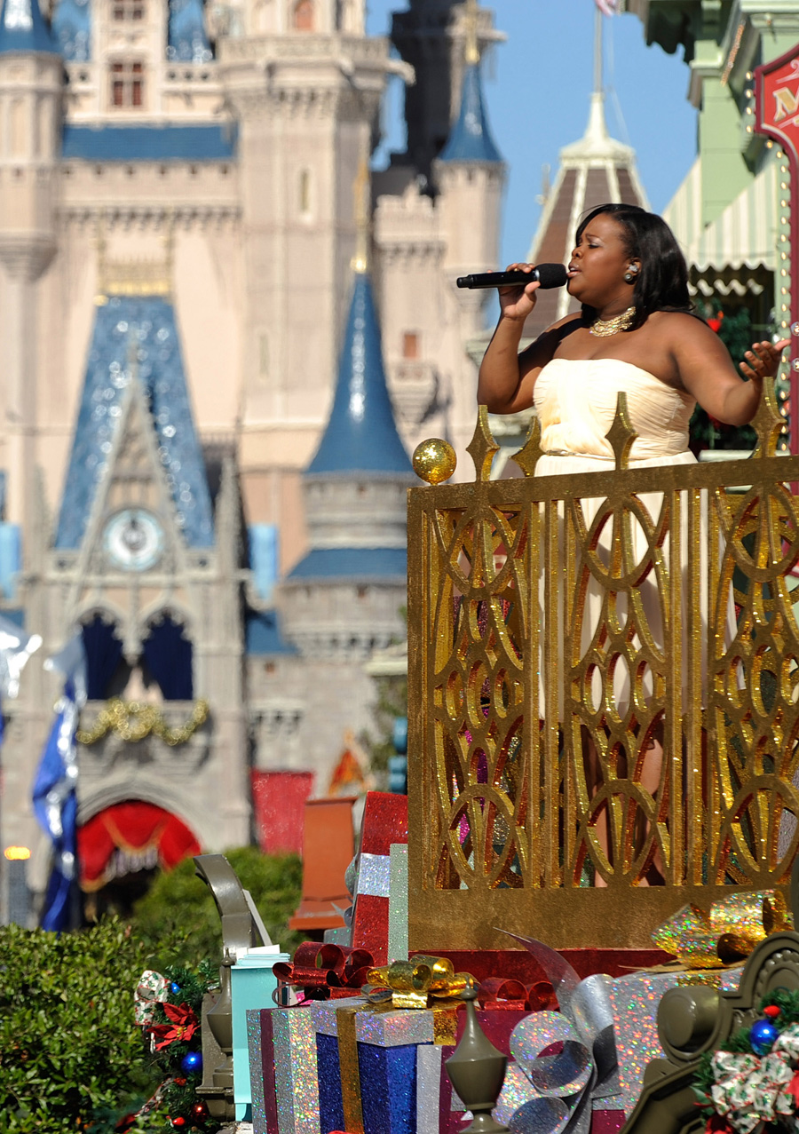 Stars Shine at Magic Kingdom for 'Disney Parks Christmas Day ...