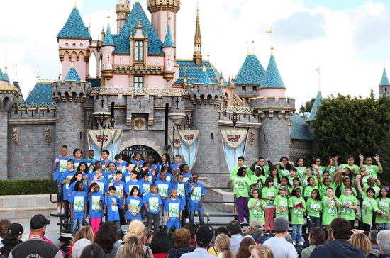 The PS22 Chorus Performs at Disneyland Park