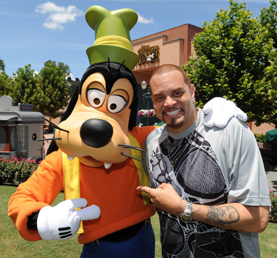 Famous Funnyman Sinbad Gets 'Goofy' at Disney's Hollywood Studios