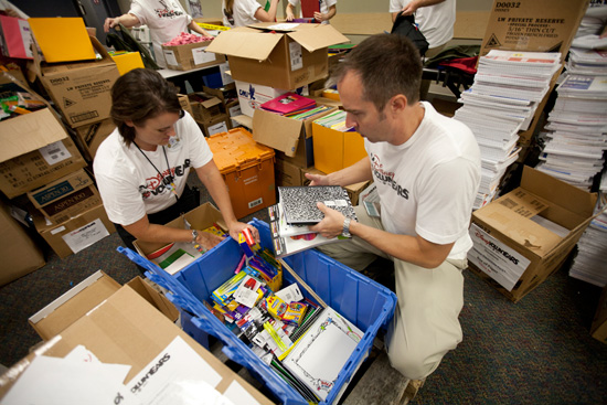 Disney VoluntEARS Give Students Back-to-School Support