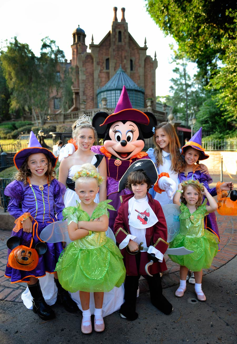 Boo to You: Mickey's Not-So-Scary Halloween Party Scares Up Fun at ...