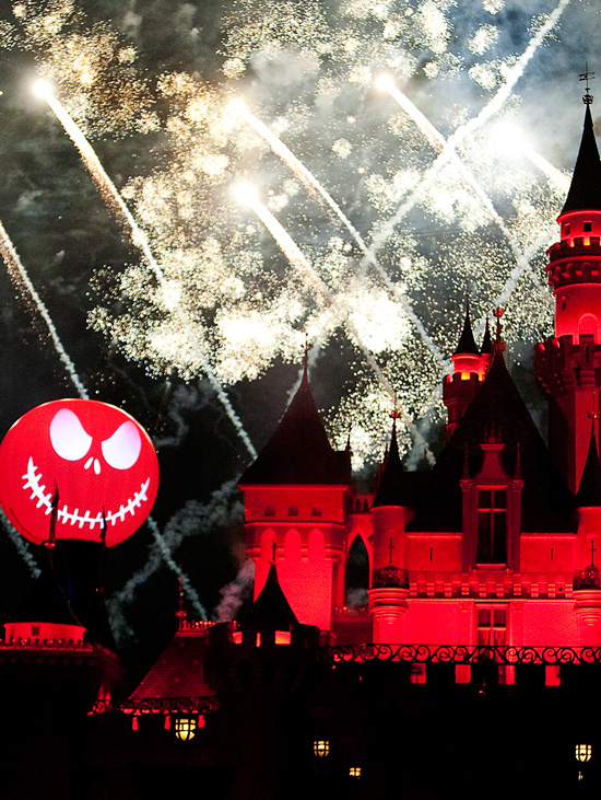 Halloween Screams Fireworks at Disneyland Park
