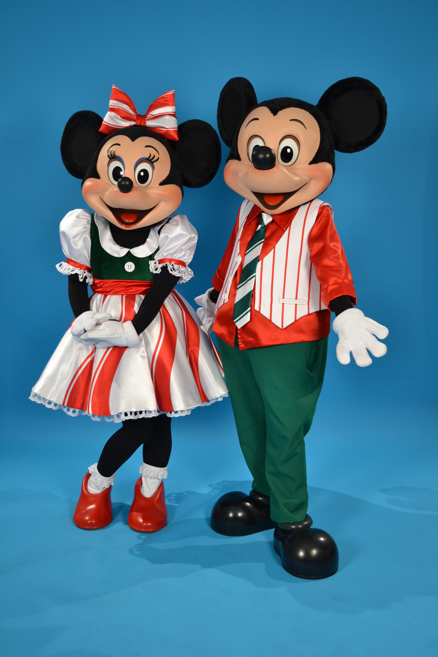 Disney Characters Get Dressed Up for Holiday Fun at Disney Parks ...
