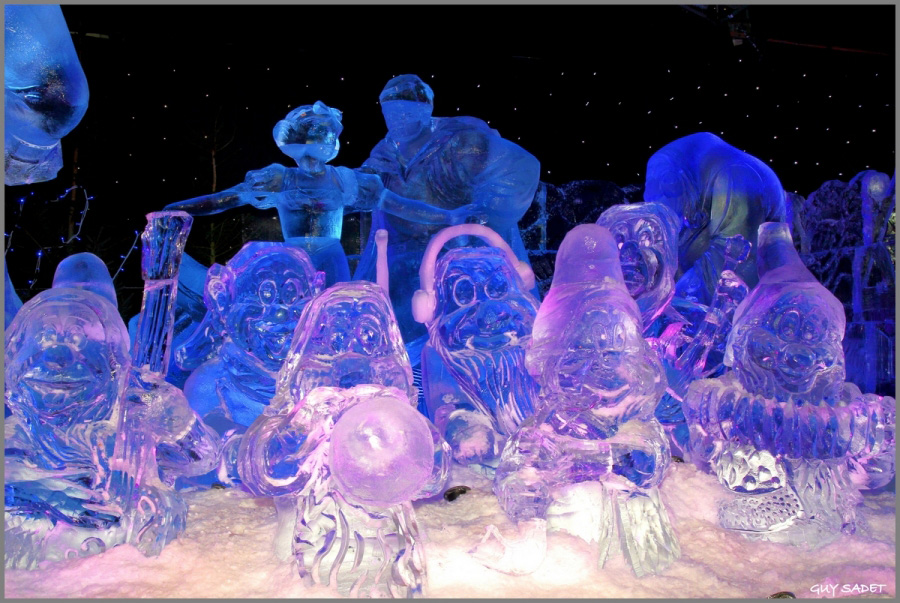 400 Tons of Ice Sculpted into Disney 'Ice Wonderland' | Disney ...