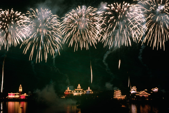 New Year's Eve showing of IllumiNations: Reflections of Earth at Epcot