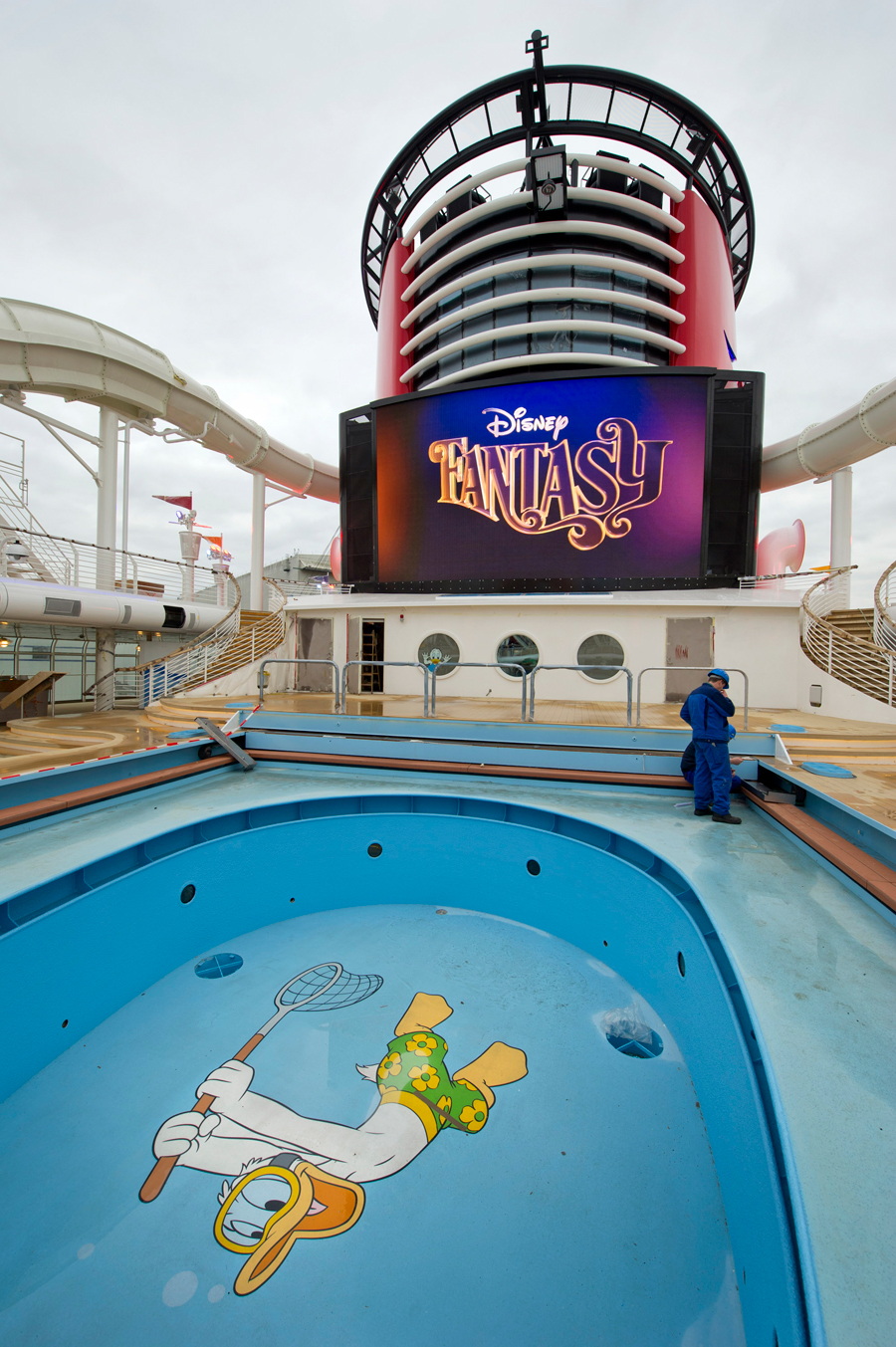 A first look at the disney fantasy after float out for Dream floor