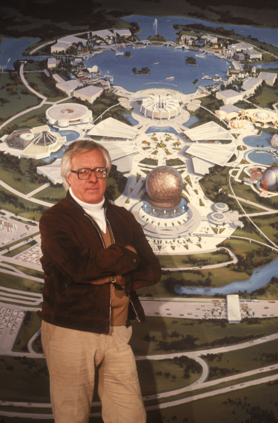 the future and future worlds in the works of ray bradbury Giant of science fiction writing fueled renewed interest in futurist literature with fahrenheit 451 among scores of other works.