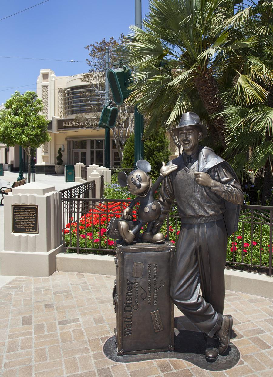 Disney Hollywood Adventure - ou la reconversion idéale du Parc Walt Disney Studios - Page 12 Wal118935LARGE