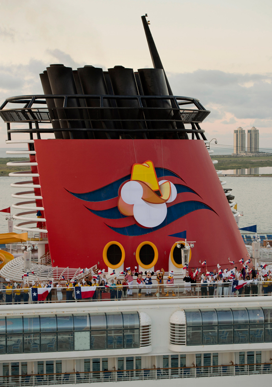 Disney Magic Arrives to Lone Star State with Texas-sized Cowboy Hat