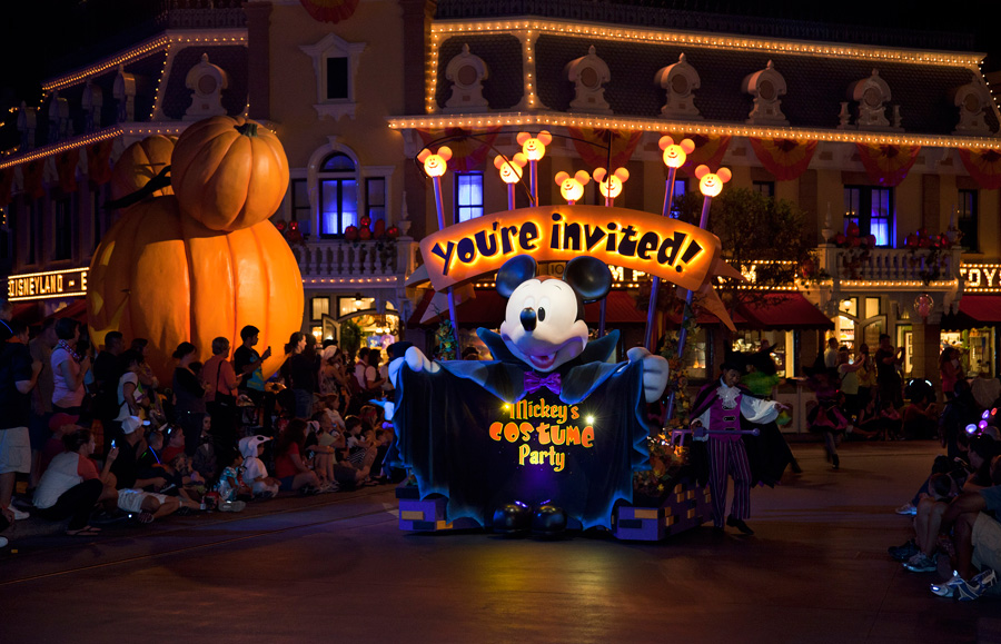 mickeys costume party cavalcade at mickeys halloween party in disneyland park - Halloween Night Party