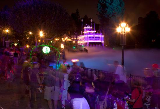 Mickey's Halloween Party in Disneyland Park