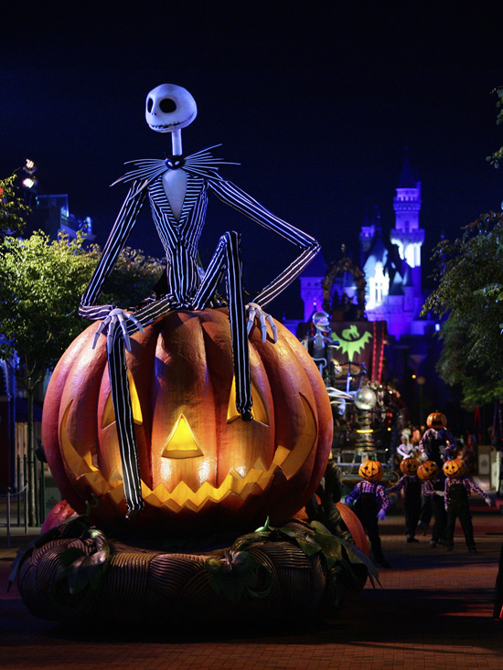 Take a Peek Inside Disney's Haunted Halloween at Hong Kong ...