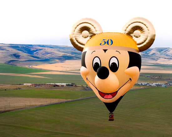 'The Happiest Balloon on Earth' on its Maiden Flight in Pendleton, Ore