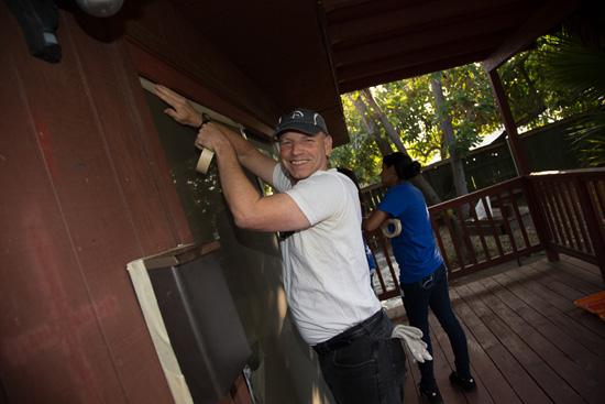 Disney VoluntEARS, Including Veteran Manny Kiesser, Visit Veterans First in Anaheim for a Work Day