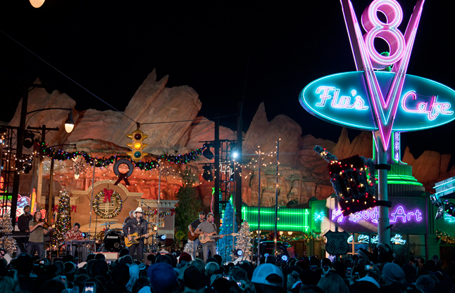 Brad Paisley Performs in Cars Land for Disney Parks Christmas Day ...