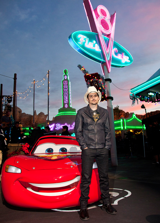 Brad Paisley Performs in Cars Land for Disney Parks Christmas Day Parade