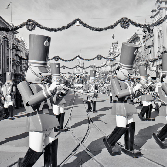 A 1970s Look at the Christmas Parade at Magic Kingdom Park