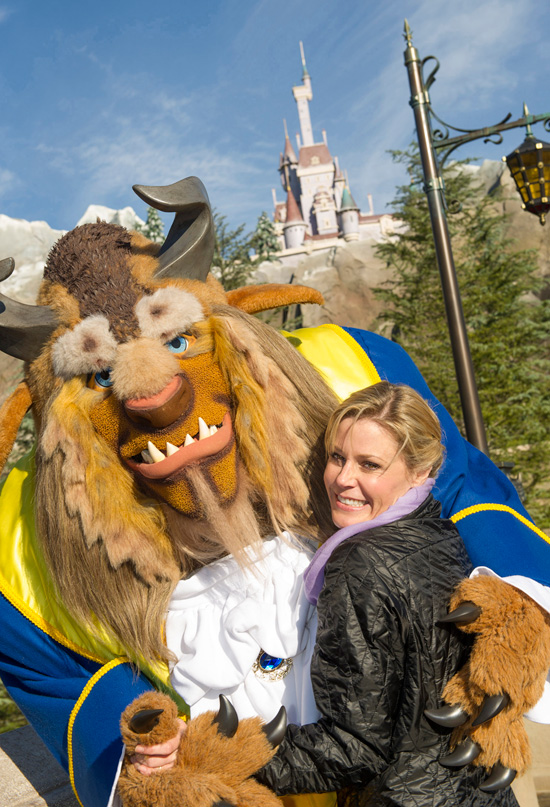 Julie Bowen Visited New Fantasyland to See Beast's Castle