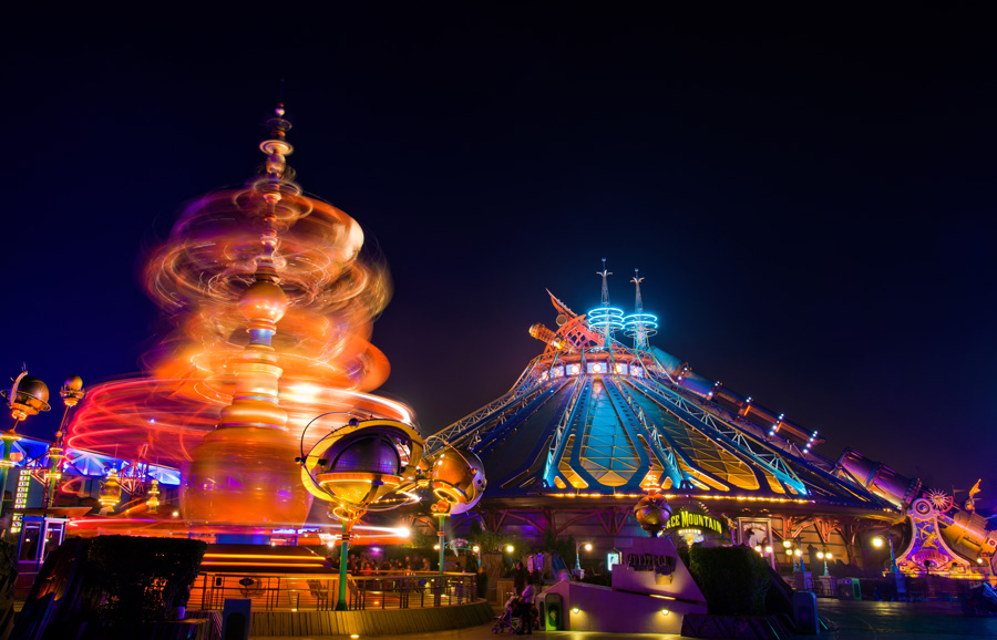 Disney Parks After Dark: Nighttime Visit to Space Mountain ...