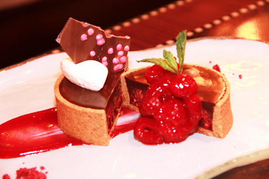Valrhona Chocolate Indulgence from Artist Point for Valentine's Day at Walt Disney World Resort