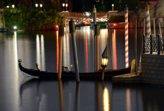 Disney Parks After Dark: Calm Seas at the Italy Pavilion at Epcot