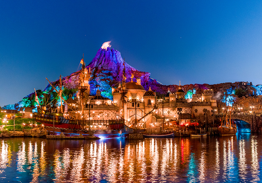 This week in disney parks photos car masters weekend returns tokyo disneysea lights up the night sciox Image collections