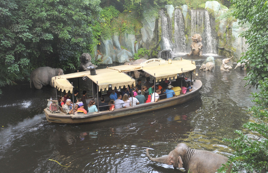 Jungle Cruise Goes Jingle Cruise For The Holidays At