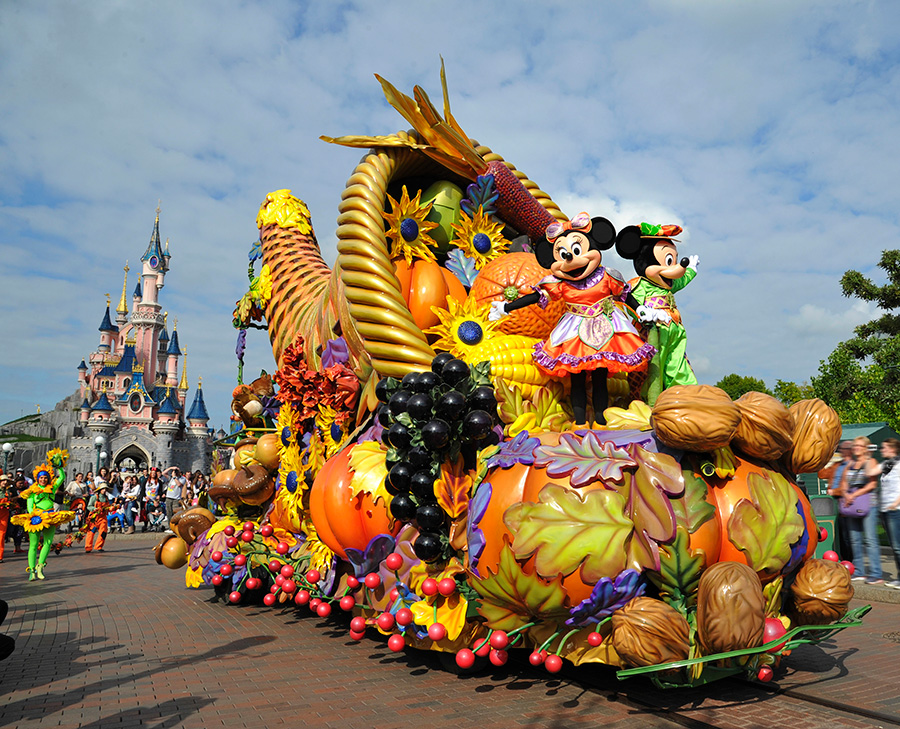 Mickey's Halloween Celebration Debuts At Disneyland Paris