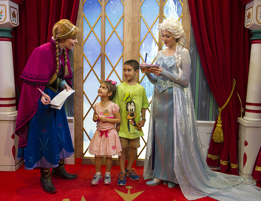 Frozen meet greet debuts at epcot disney parks blog frozen meet greet at epcot m4hsunfo