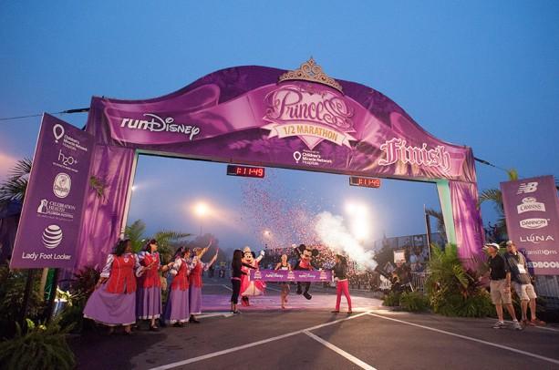 Olympian Kim Smith Wins the Disney Princess Half Marathon