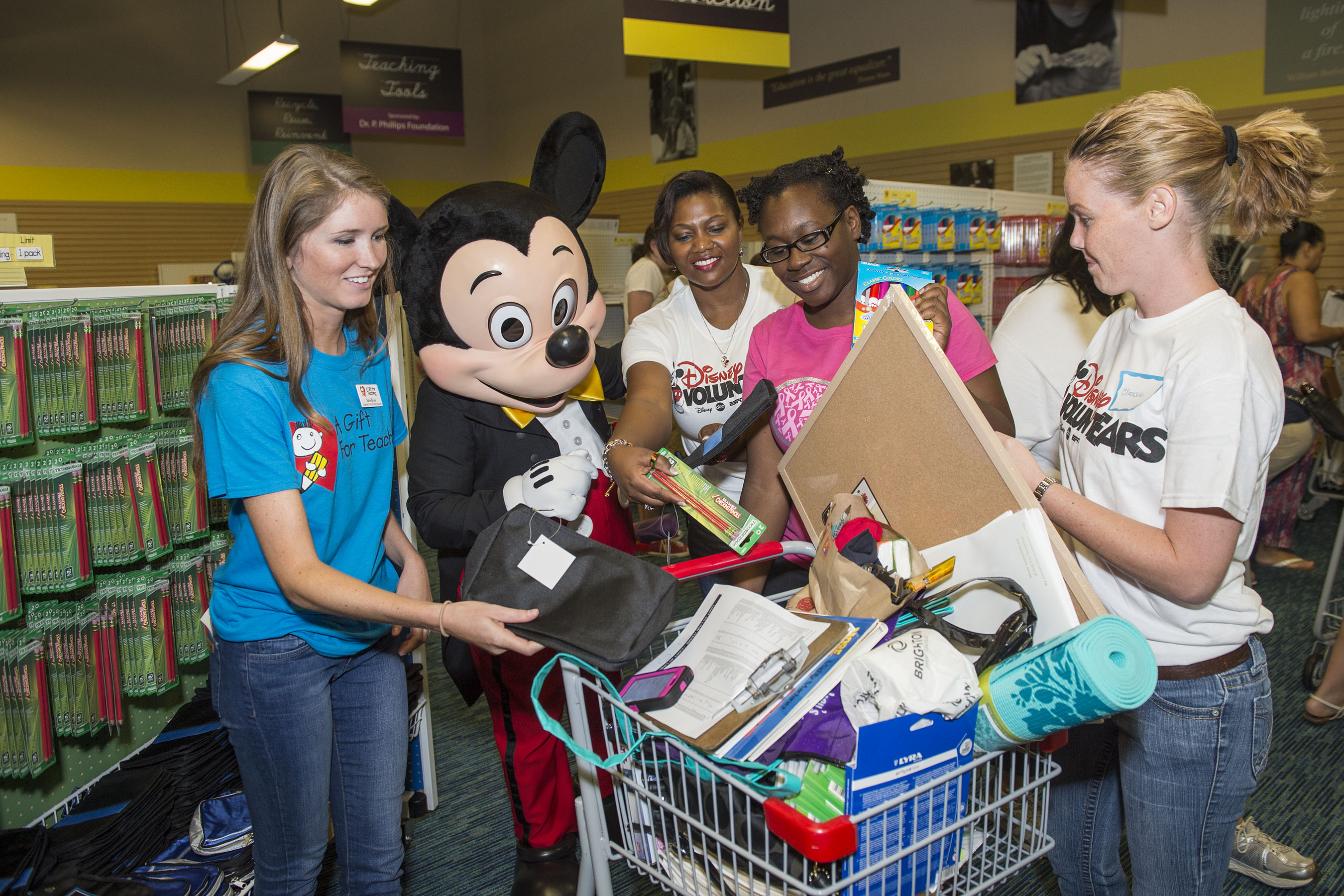 Disney VoluntEARS Celebrate 2.5 million Back-to-School Donations ...