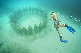 Sculpture Swim