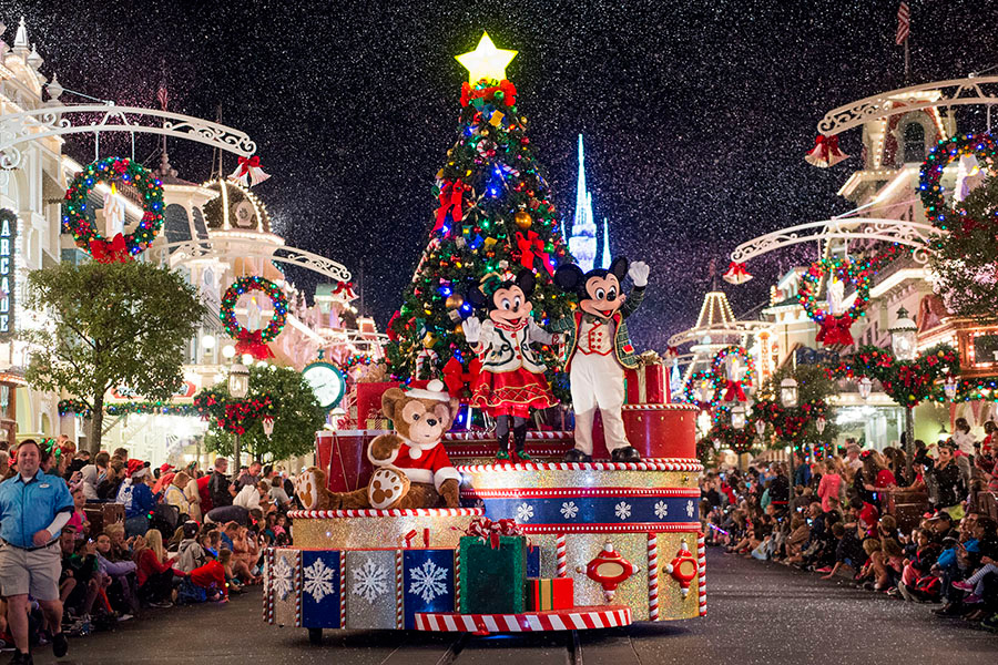 Watch 'Mickey's Once Upon A Christmastime Parade' Live from Walt ...