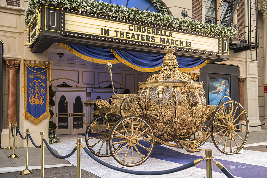 Golden carriage from cinderella arrives at disney s for How to build a carriage
