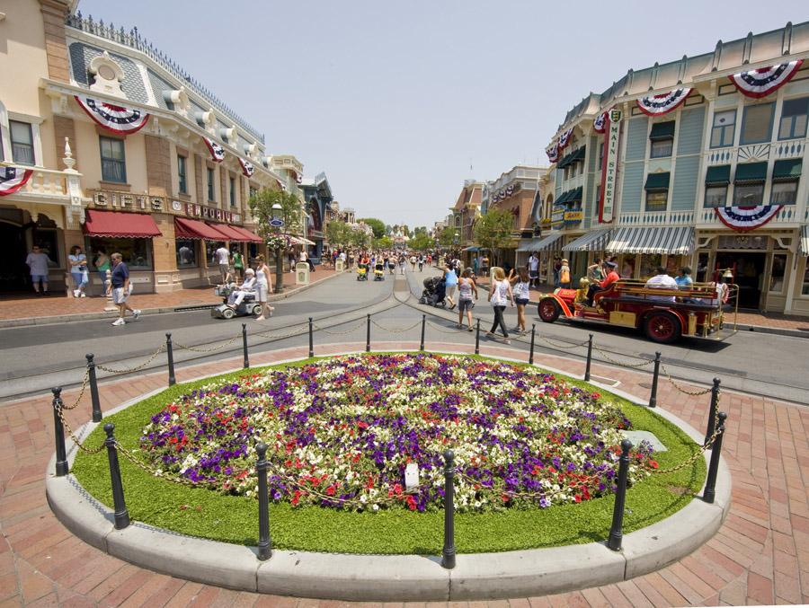 Live Music Expanding At Disneyland Park Beginning July 17