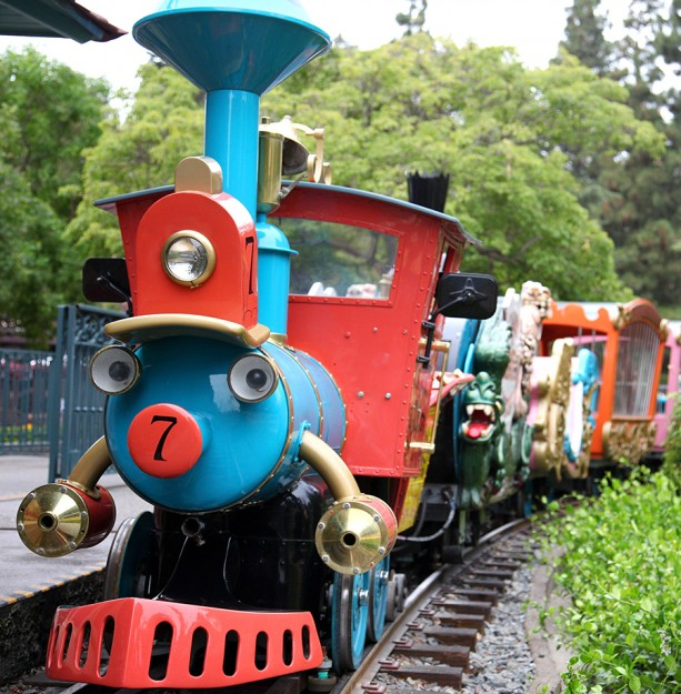 how to go to tokyo disneyland by train