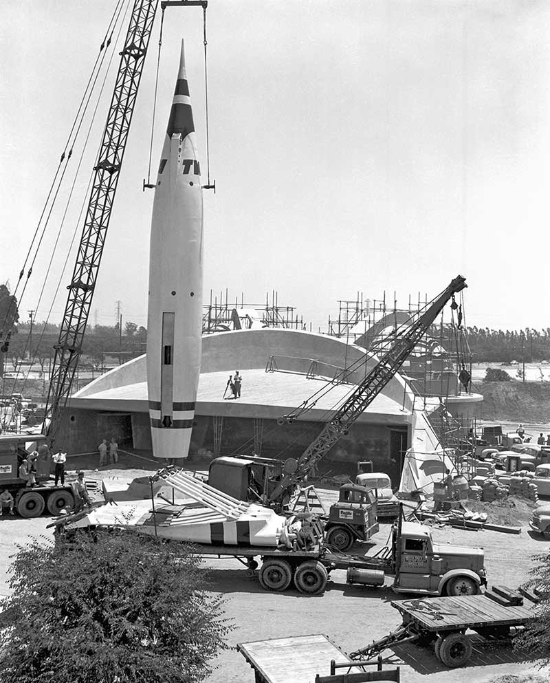 Rockets To The Moon: Building The Dream: The Making Of Disneyland Park