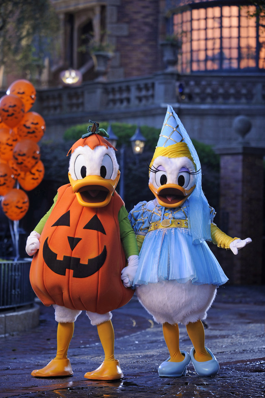 13 Reasons to Add Mickey's Not-So-Scary Halloween Party To Your ...