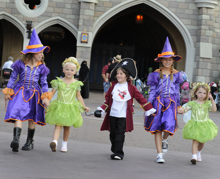 DisneyKids: Taking Little Ones to Mickey's Not-So-Scary Halloween ...