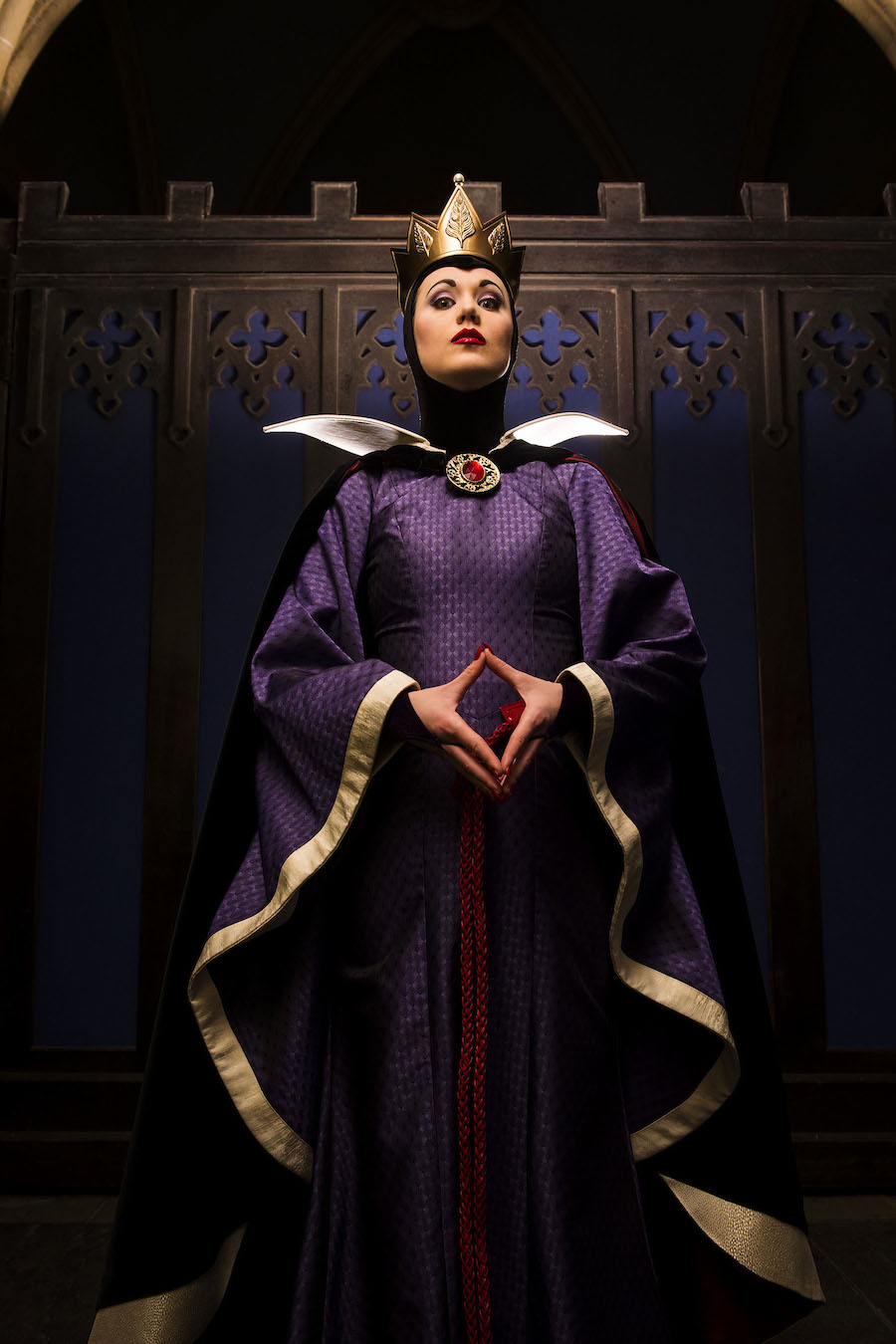 Villain s gallery the wicked queen from snow white - Evil queen disney ...