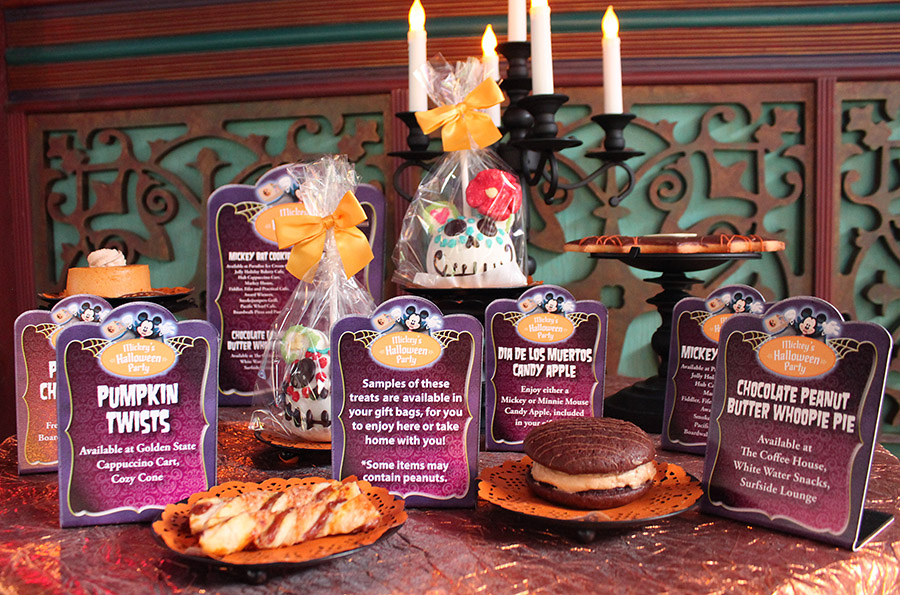 Readers Get Into the Spooky Spirit at Disney Parks Blog Mickey's ...