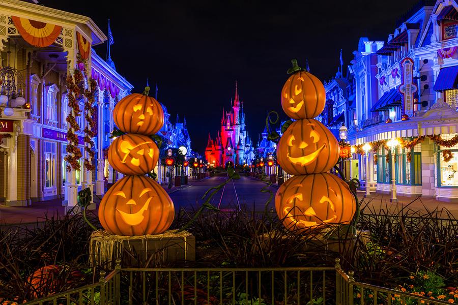 Halloween how to carve pumpkins like a disney pro - Disney halloween images ...