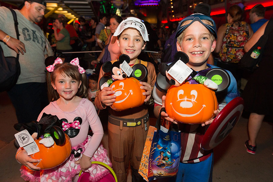 Heading to Mickey's Not-So-Scary Halloween Party? Let's Talk Candy ...