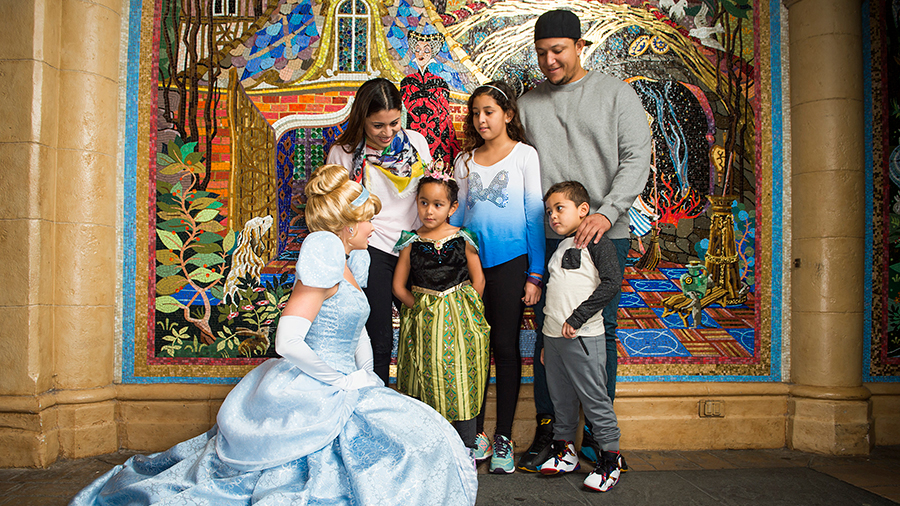 #DisneyFamilia: Miguel Cabrera Plays at Walt Disney World ...