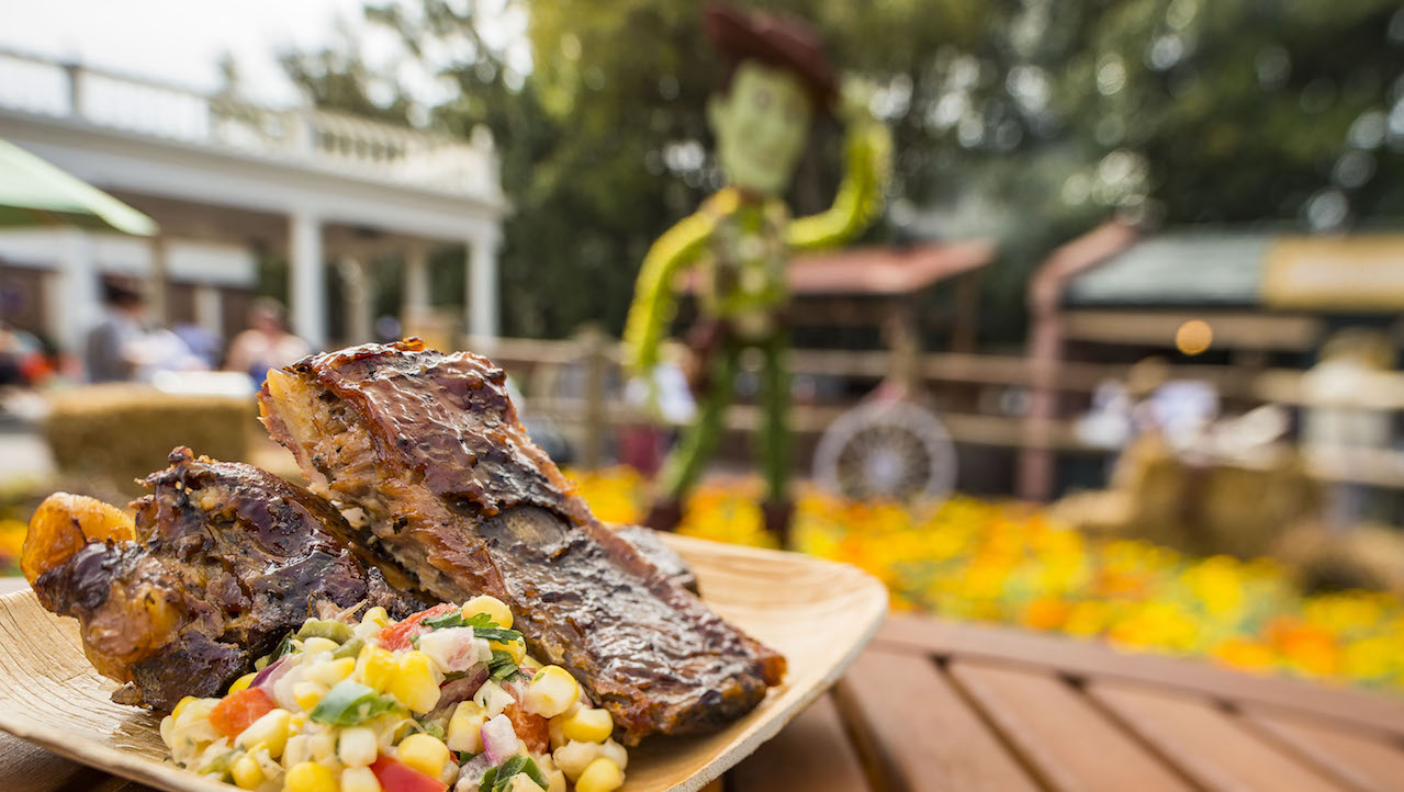 Edible Gardens Feature Fruits, Veggies Served at Outdoor Kitchens at ...