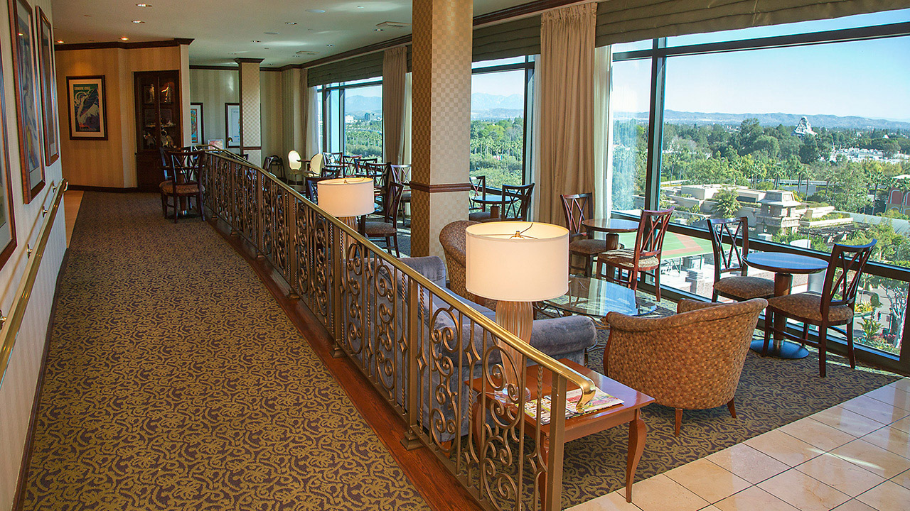club-level service at the disneyland hotel | disney parks blog